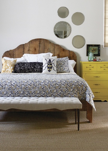 so comfy looking: Portfolio Design, Wooden Headboards, Circles Mirror, Yellow Dressers, Head Boards, Rustic Headboards, Beds Frames, Beds Bugs, Wood Headboards