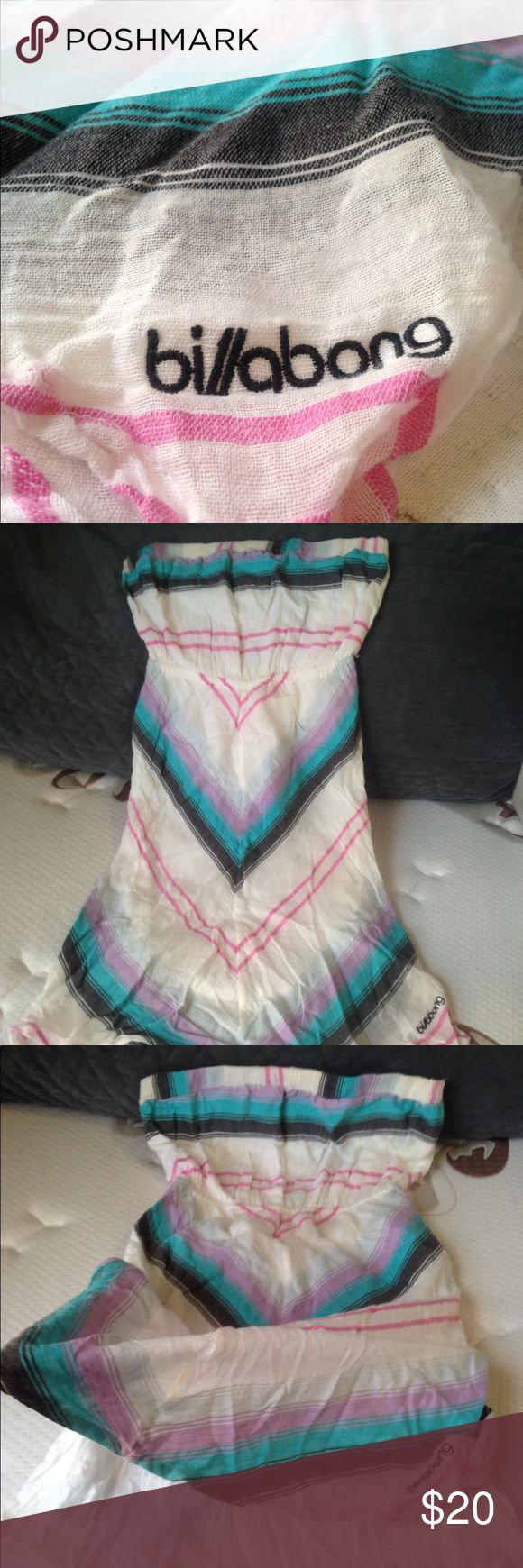 Billabong linen strapless dress Beautiful vibrant colors , soft linen fabric , lined (see photo) , strapless dress. Mint condition , the skirt comes to sort of a point in the front and back , like a V . Stretchy back part keeps dress perfectly in place all day and night , offers welcome ✨ Billabong Dresses Strapless
