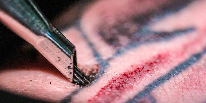 Descubre a cámara ultra lenta lo que sucede cuando una aguja para tatuar perfora tu piel