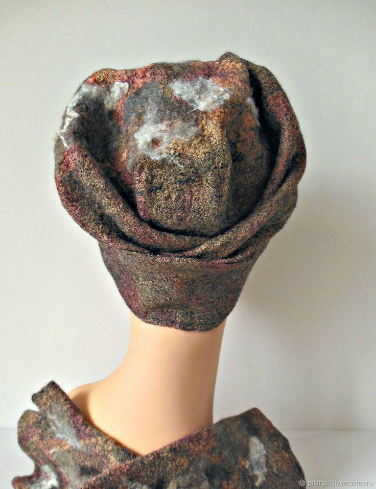 Купить Шапка бини валяная кремовая Осенний поцелуй 2 в интернет магазине на Ярмарке Мастеров