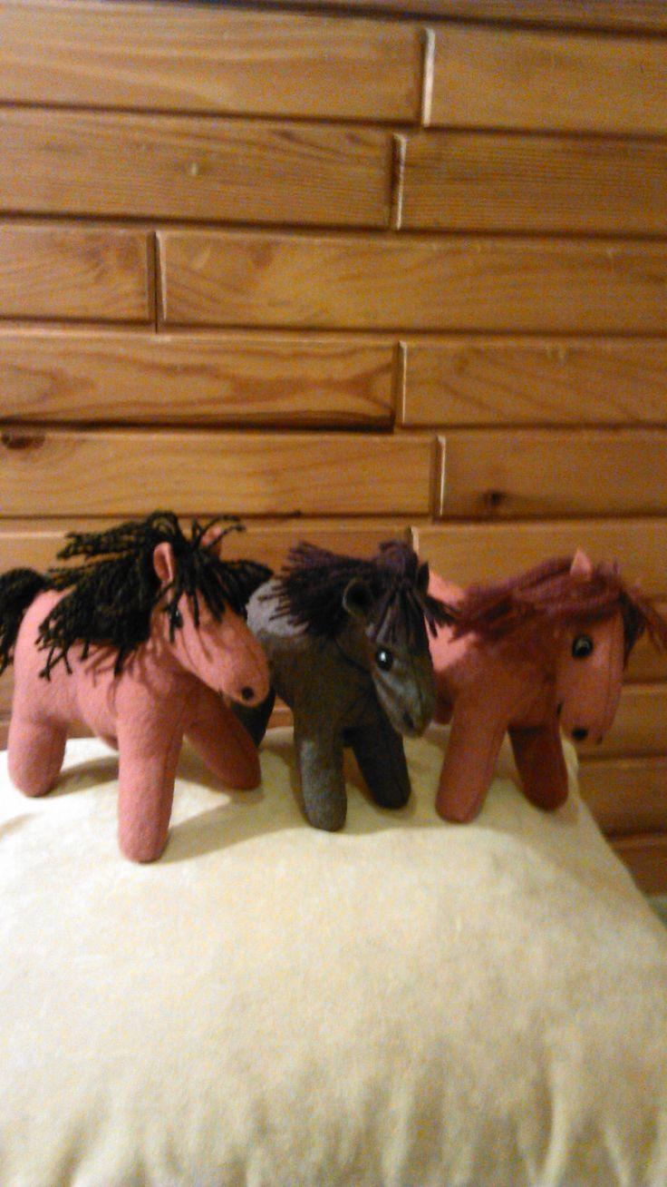 woolen primitive horses Handmade by Alina Wodzińska