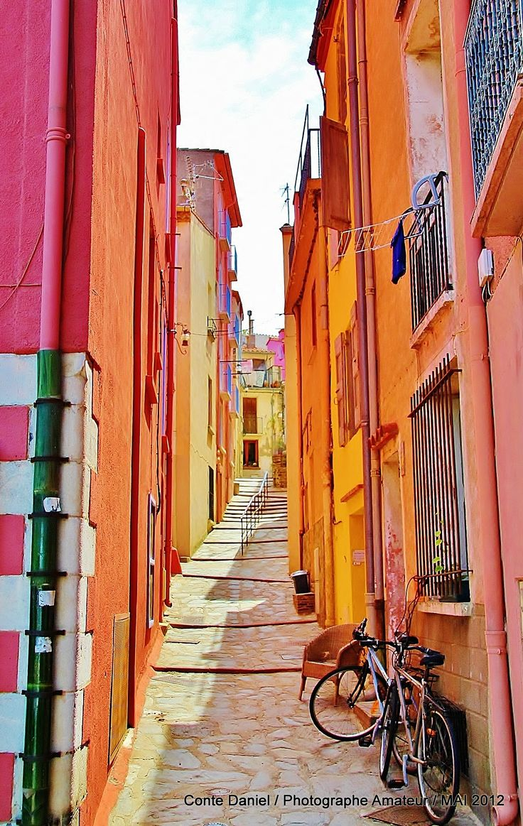 Collioure. Once visited, it remains imprinted in voyaging memory...so achingly pretty.