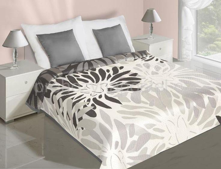 Přehoz na postel oboustranný bílo šedé barvy s květy