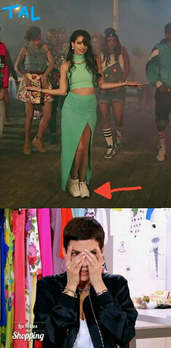 Des baskets avec une robe !?