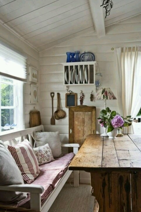 From: Southern Country Living #country #countrylife #countrylifestyle #countryliving #countrygirl #countryboy #barn #barns #farms #horses #rustic #vintage #countrydecor #kitchens #countrykitchen #countryhouse #farming #farmhouse