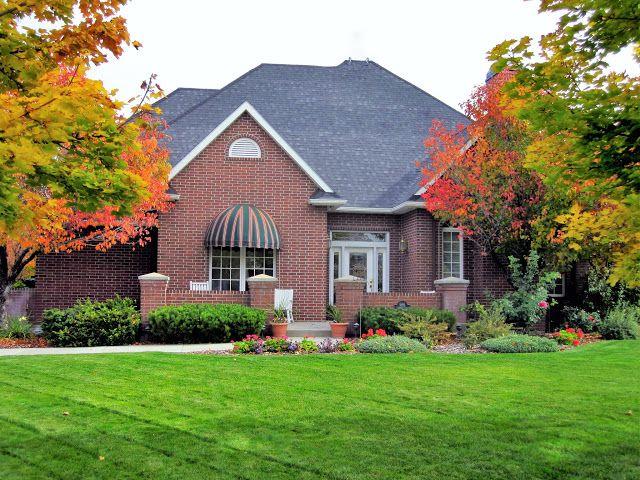 Beautiful & Spacious Traditional Luxury Home