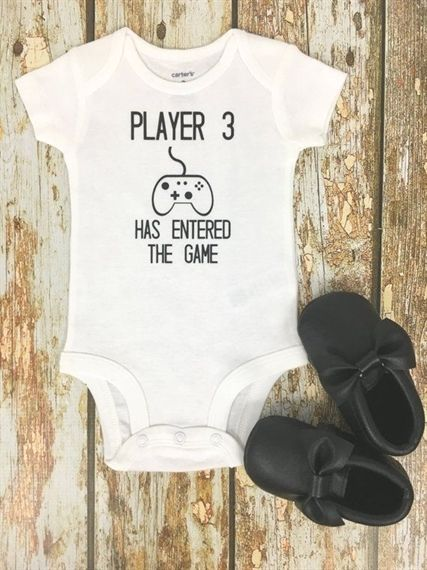 Player 3 has entered the game, pregnancy announcement, baby player, gifts for gam …   – Du wirst Papa!