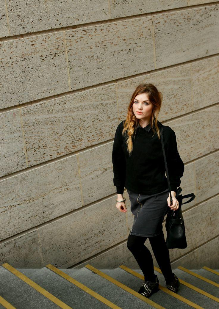 thebagstore, calvin klein, bag, leather bag, zwarte tas, handtas, fashion blogger, fashion is a party, sweater, maastricht, gesponsorde post, trap, zwarte outfit, spijkerrok, jeans skirt