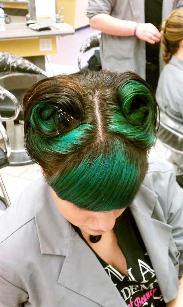 Color and Rockabilly style- might work with my blue/green hair..