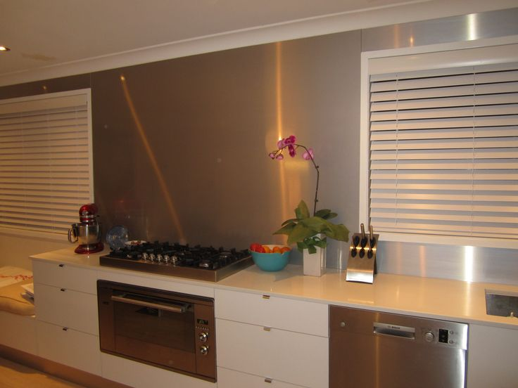 What a great idea to cover a large area of Splashback in a 4mm thin Metaline Splashback