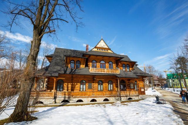 Małopolska - zakopiańskie wille - Turystyka - WP.PL Willa Jutrzenka z 1900 r., Zakopane (fot. marekusz / Shutterstock.com)