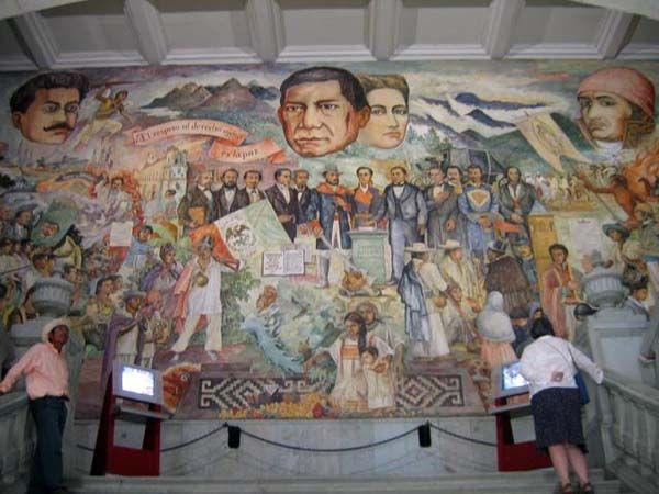 Arturo García Bustos, mural del Palacio de Gobierno de Oaxaca en la  ciudad de Oaxaca. En el centro de la imagen destacan Benito Juárez y Margarita Maza de Juárez.