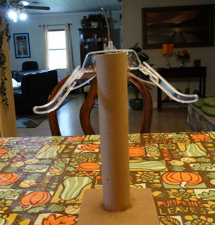 Make a Christmas Angel With a Paper Towel Roll and A Hanger!