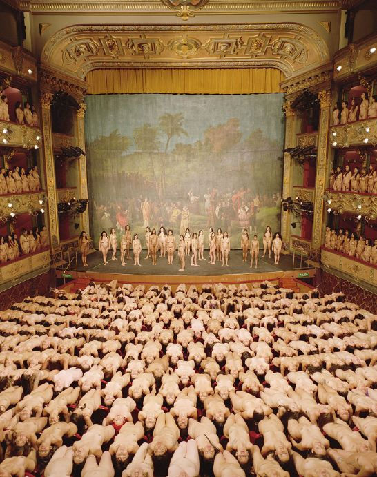Spencer Tunick En colombia, teatro colon