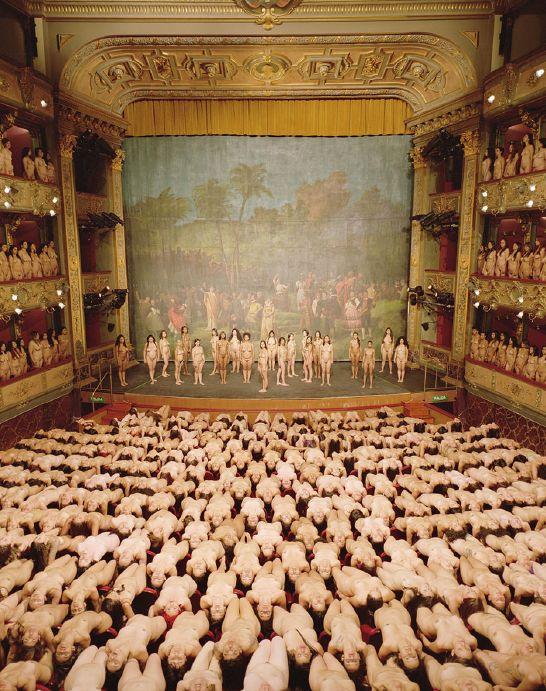 Spencer Tunick En colombia, teatro colon