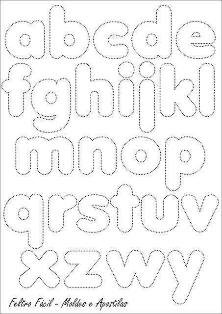 """""""...algumas letras podem estar fora da sequencia correta mas foi proposital pois no momento da edição procuramos ajustar os espaços para que todo o alfabeto pudesse caber na mesma folha."""" Achei no Feltro Fácil"""