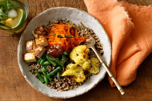 This healthy South Indian bowl packs a punch of flavour. Ready in just 30 minutes, it's a wonderful addition to your weeknight cooking repertoire.