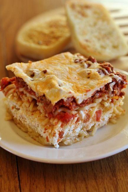 Million Dollar Spaghetti Casserole {Freezer Friendly}