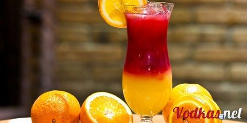 Un delicioso cóctel! Ven y pruebalo con nosotros! #restaurantnewyrkbylapalapa #comericocomesanonosotroslopreparamos