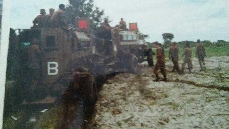 RM 14 Alpha trying to pul 14 Bravo out of the mud it seems with a short tow bar, wonder what happened to their kinetic rope ?