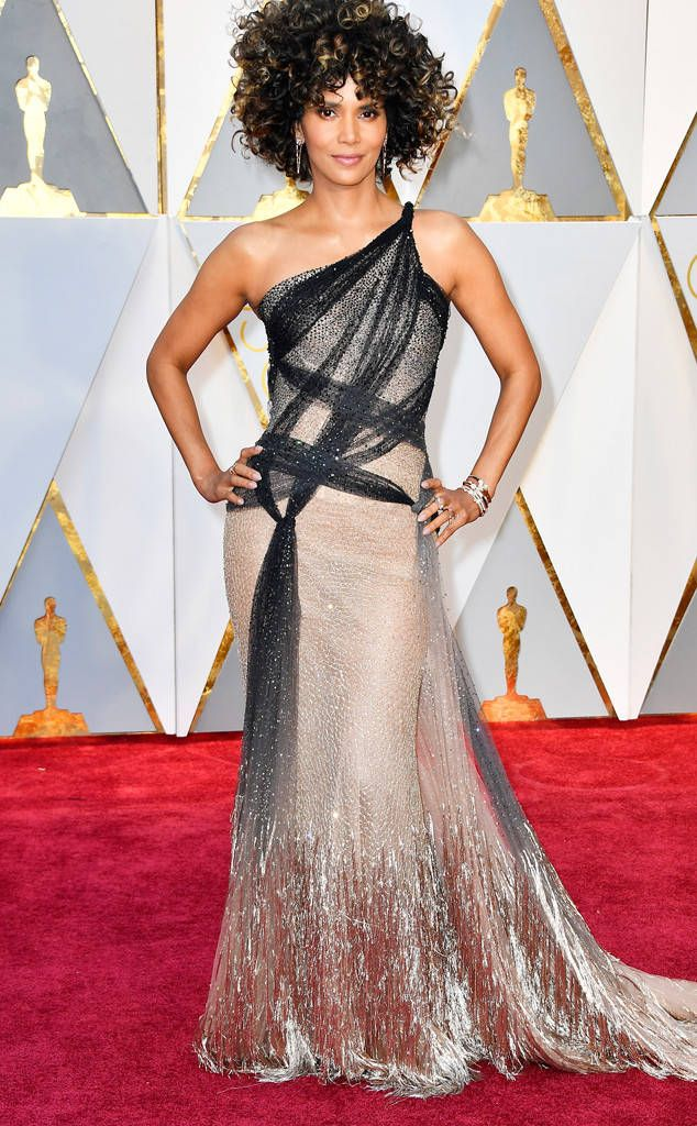 Halle Berry from Oscars 2017 Red Carpet Arrivals  In Versace