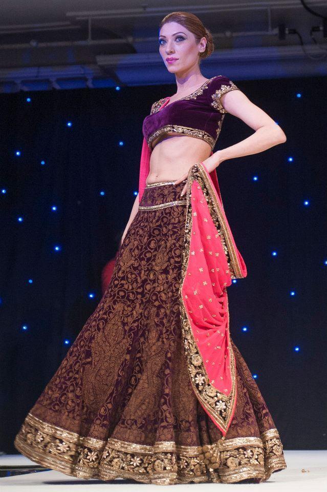 Manish Malhotra >>great colour combination.