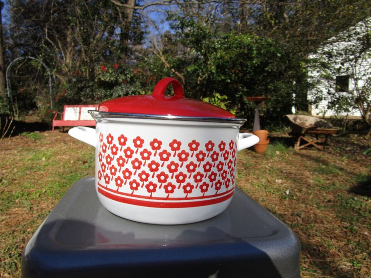 Mid Century Red Daisies on White Enamelware Stock Pot or Casserole VGC by flyingdustbunny on Etsy https://www.etsy.com/uk/listing/266139968/mid-century-red-daisies-on-white