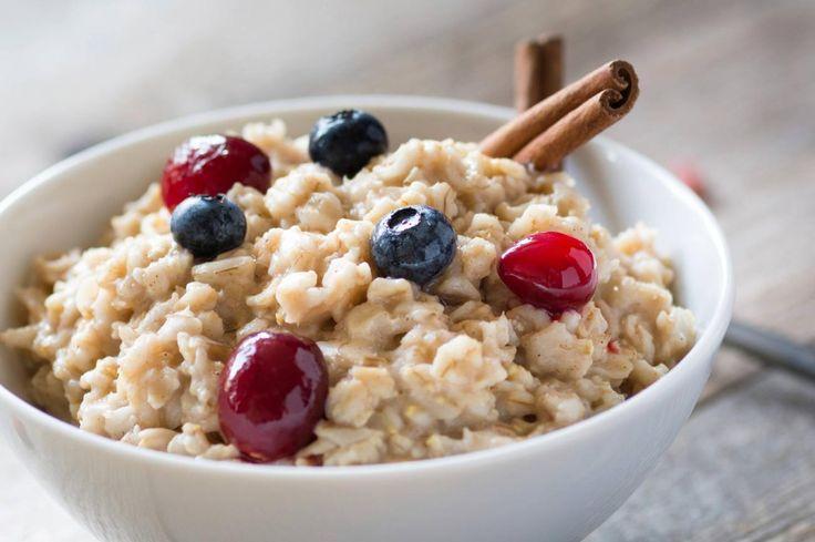 Mit Cerealien, frischen Beeren, purem Joghurt und etwas Zimt oder Honig  liefern Sie Ihrem Körper einen gesunden Energie-Kick