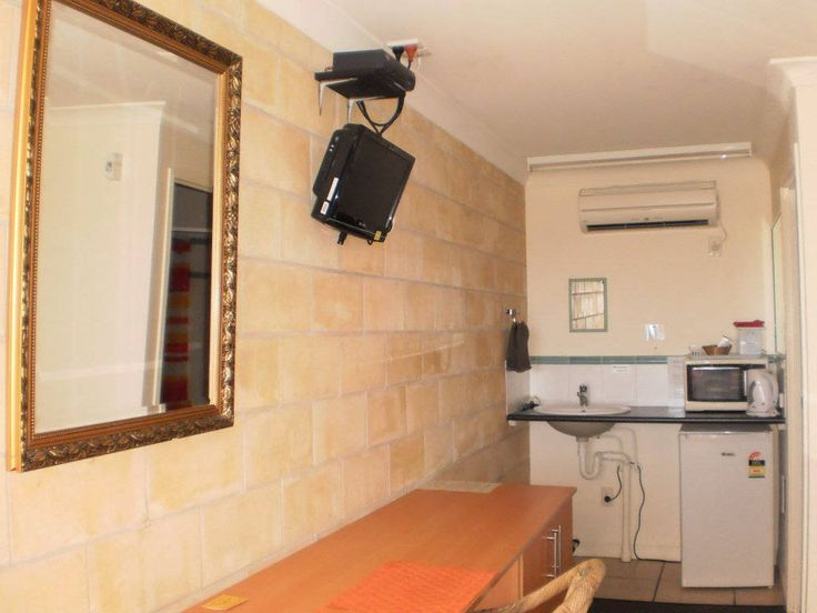 A Country View Motel is the best Accommodation in Ilbilbie, certainly the finest Affordable Motel.