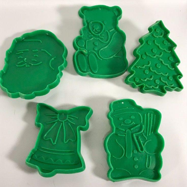Cookie Cutters set of 5 Green Made in Hong Kong Vintage Kitchen Bear Bell Santa    eBay
