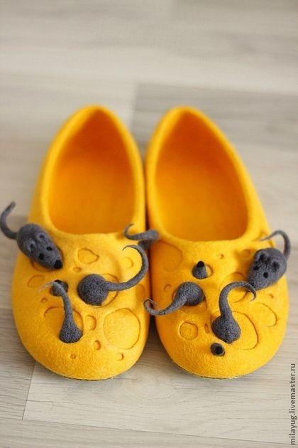 "Обувь ручной работы. Ярмарка Мастеров - ручная работа Тапочки ""Мышиное царство"" валяные. Handmade."