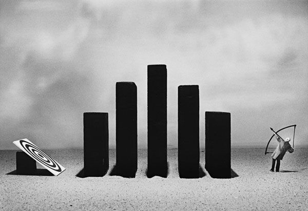 """Gilbert Garcin """"Surmonter les obstacles, 2005."""""""