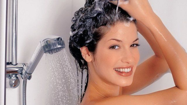 Nie je len na vlasy: 5 tipov, ako ešte skvele využiť šampón