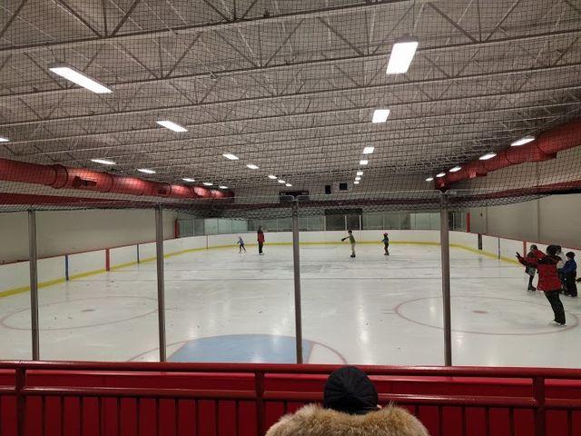 Indoor Ice Skating Rinks Around Chicago