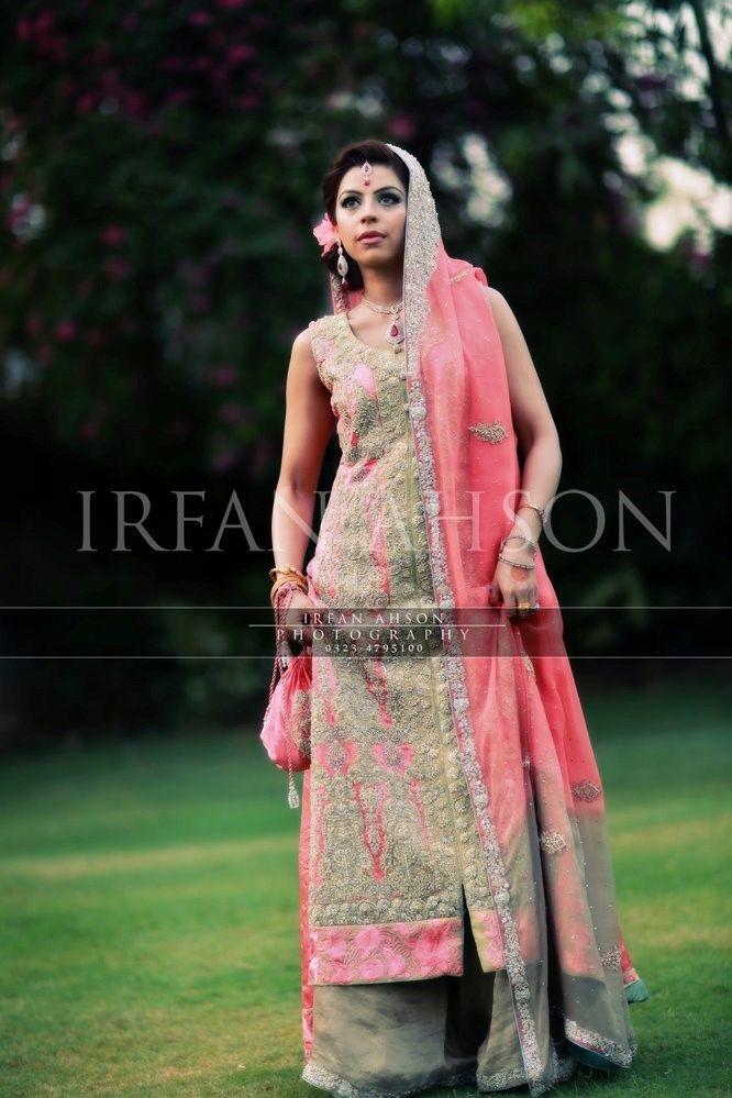 Irfan-Ahson-Pakistani-Wedding-Bridal-Outfit-102 width=