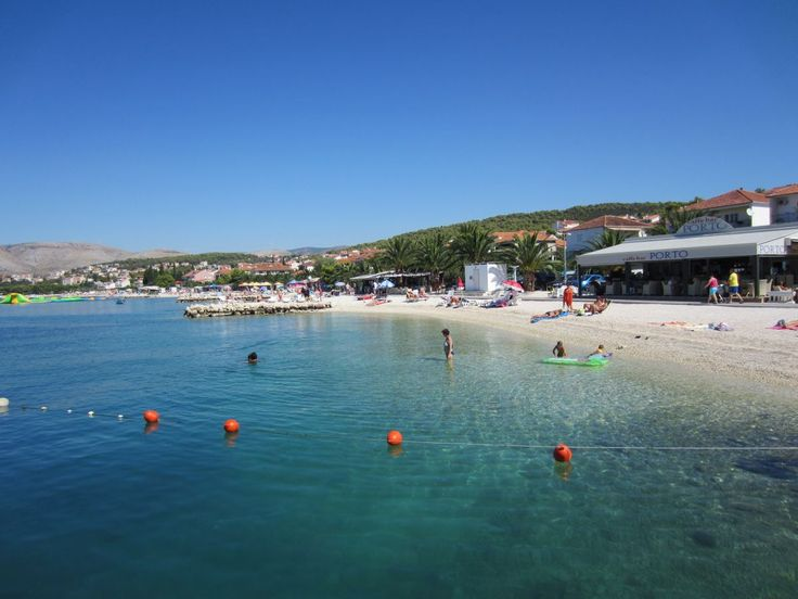 The beach Copacabana on the island Ciovo in Croatia. More pictures >> https://www.kroati.de/kroatien-infos/strand-copacabana-okrug-gornji.html