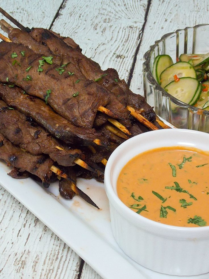 Venison Satay with Spicy Peanut Sauce, tender strips of venison tenderloin used in place of beef, served with a spicy peanut sauce and Asian Cucumber Salad #SundaySupper