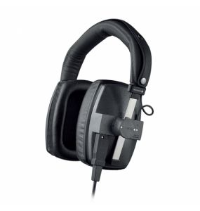 The DT 150 Closed Monitoring Headphones from Beyerdynamic feature modular construction that offers a high degree of ambient noise isolation. The neodymium magnet system provides accurate and balanced sound reproduction.