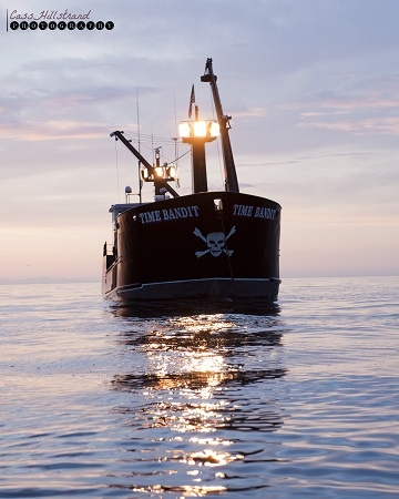 The 25 best deadliest catch ideas on pinterest godzilla for Fishing shows on discovery channel