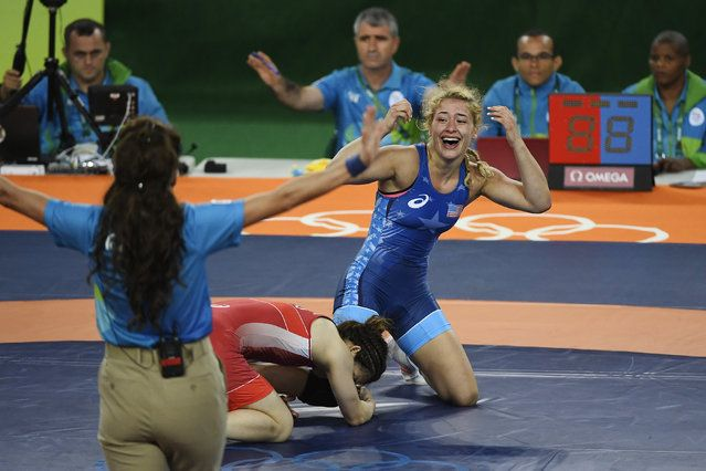 Helen Maroulis of the United States reacts to defeating Saori Yoshida of Japan during 53kg women's freestyle wrestling title match on Thursday, August 18, 2016. Maroulis defeated Yoshida 4-1 to capture the gold. Yoshida is the world's most decorated wrestler with three Olympic gold medals and 13 world titles. (Photo by Aaron Ontiveroz/The Denver Post) #リオ五輪 #レスリング