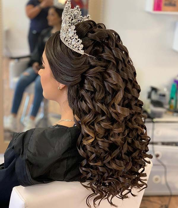 21 Best Quinceanera Hairstyles For Your Big Day Beauty Quince Hairstyles Hair Styles Curly Hair Styles Naturally