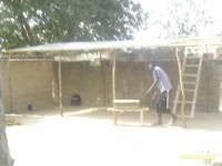 armony.org Proyecto de Cooperación Internacional de bajo coste que consistía en construir una cubierta para el telar de Ambroise Mendy, Kaolack (Senegal) Ambroise Mendy es un artesano de la región de Kaolack (Senegal). Con el primer evento armony.org realizado en el Delano Beach Club, en Ibiza, logramos recaudar los fondos necesarios para la construcción del techo en base al presupuesto que solicitaron vía mail Conseguido!!