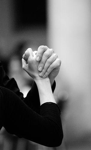 Nada como el agarre conectado de dos manos
