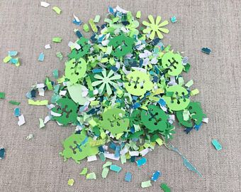 Green Ladybug Paper Confetti, Floral Card Confetti, Biodegradable Wedding Confetti, Recycled Throwing Confetti, Shower Decor, Table Confetti