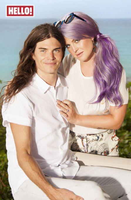 La hija de Ozzy, Kelly Osbourne se ha comprometido con su novio, Matthew Mosshart [+Foto anillo]