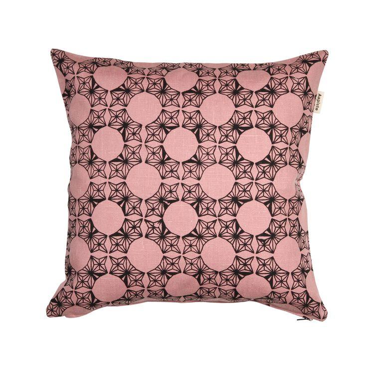 Kehrä (Whorl) cushion. Design by Riikka Kaartilanmäki 2010.