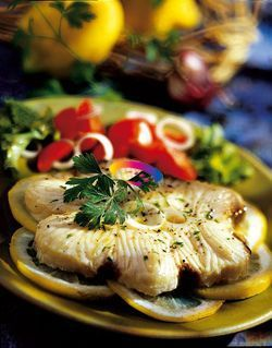 Pesce spada al vapore #ricette #CucinareMeglio via @CucinareMeglio