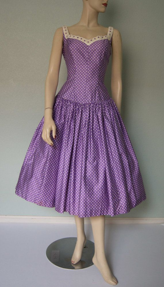 1950s Polished Cotton Summer Party Dress with Appliques // Yummy Grape and White // Fitted // New Look // Full Sweep