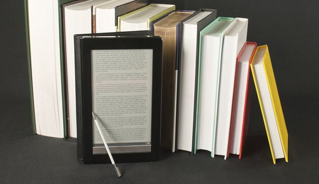 Si quieres migrar de la lectura de libros físicos a los e-books y comenzar tu biblioteca digital puedes comenzar en estos sitios tu colección.