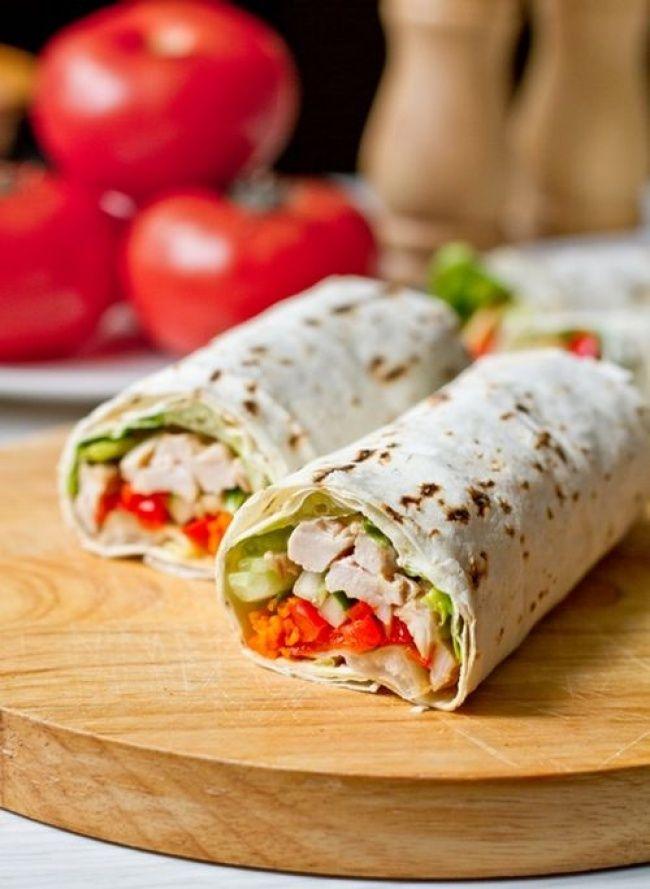 Ролл из лаваша с курицей и овощами 8безумно вкусных бутербродов, которые можно взять наработу